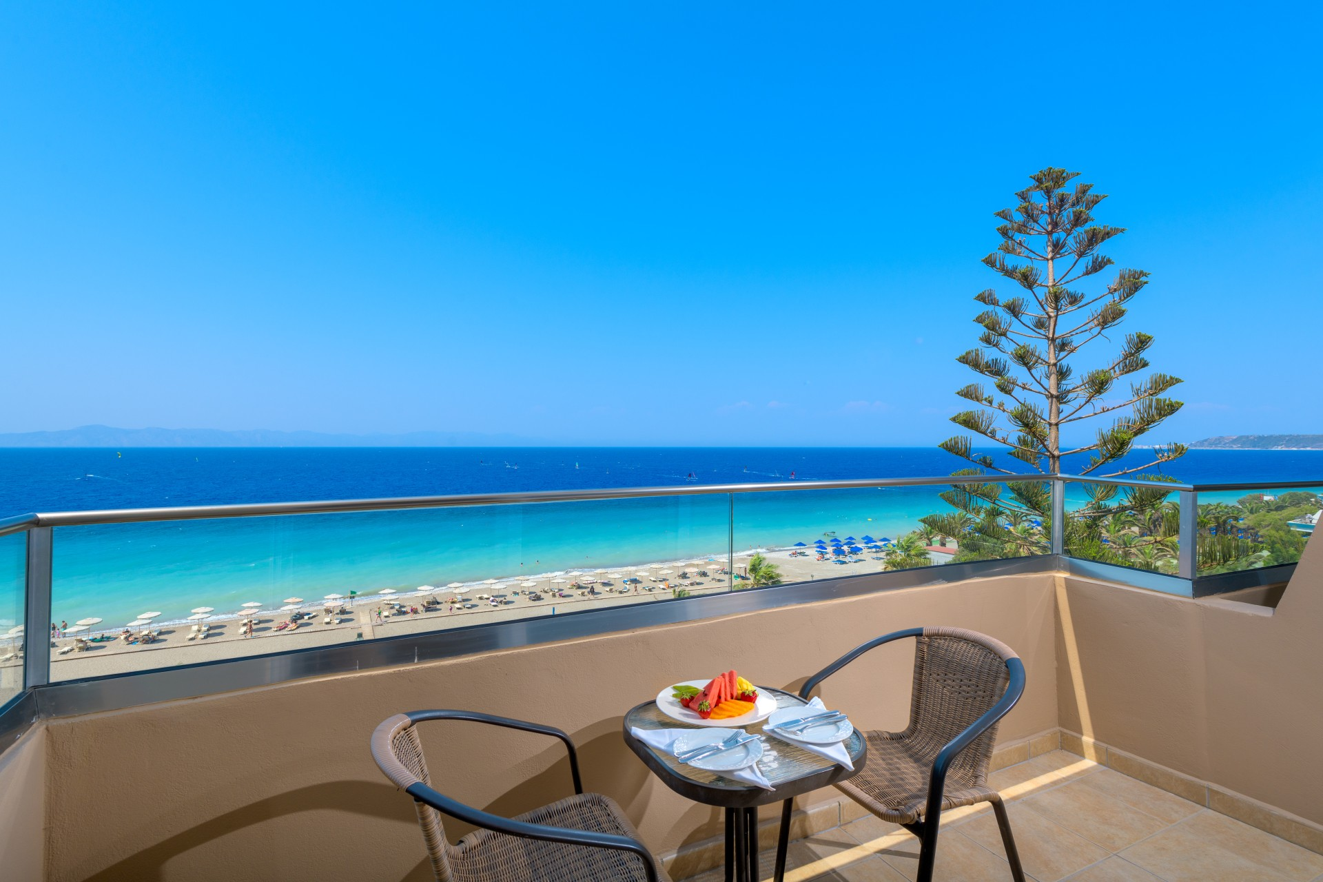 Deluxe Suite Sea View-Balcony-4a