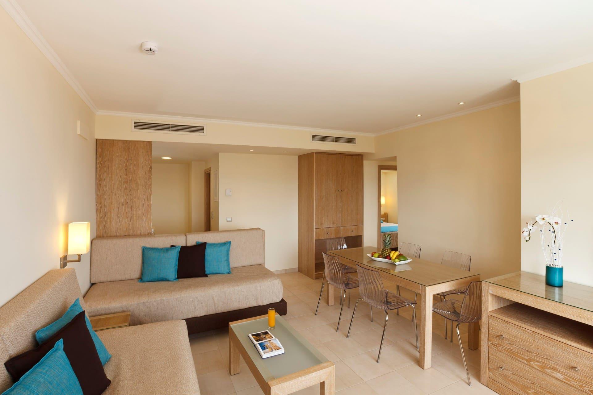 Deluxe_Aegean_GV_Living_room2