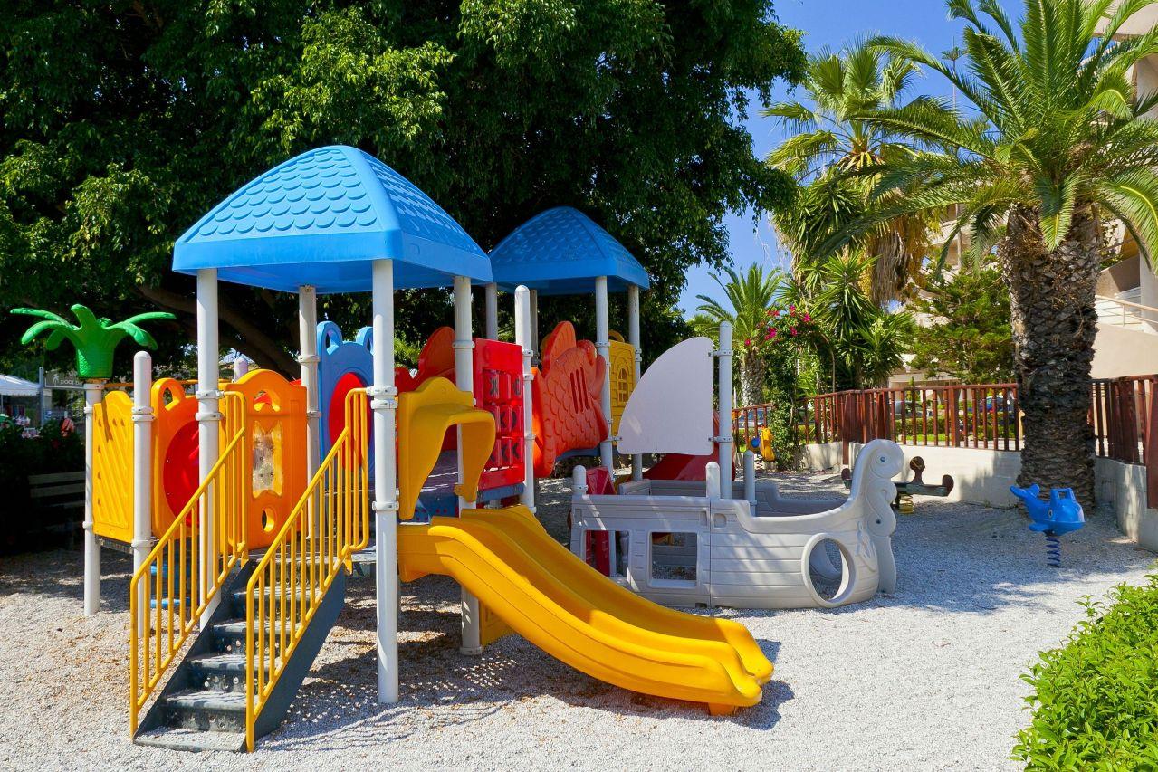kids_playground_2-6yrs__2