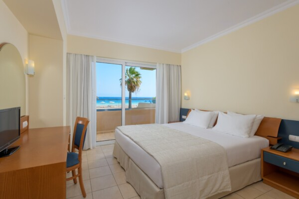 Kid Suite Sea View Apartment -Master Bedroom-1a