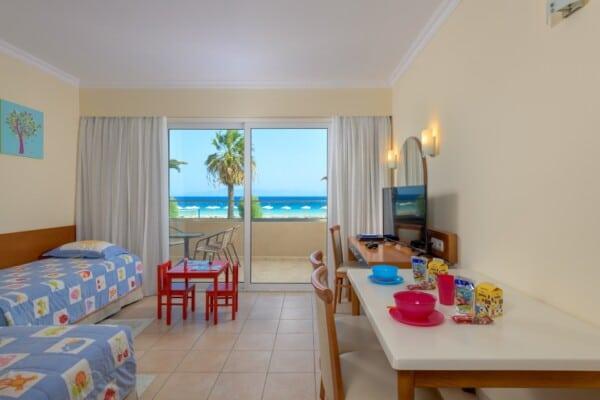 Kid Suite Sea View-Living Room -1